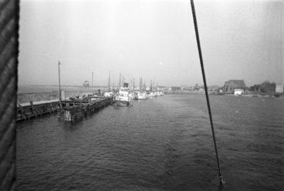 Widok z pokładu na port na Helu