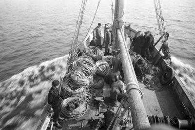 Pokład kutra rybackiego – dziób