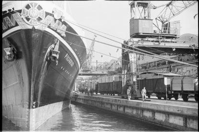 """Powitanie statku m/s """"Piłsudski"""" – nabrzeże Francuskie"""