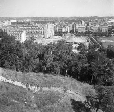 Kamienna Góra – szczyt oraz zejście w stronę ul. Sienkiewicza
