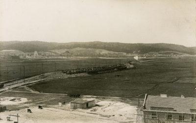 Panorama Gdyni od strony portu w rejonie dworca kolejowego i Grabówka