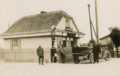 Otwarcie pierwszej stacji benzynowej w Gdyni przy obecnej ul. Węglowej