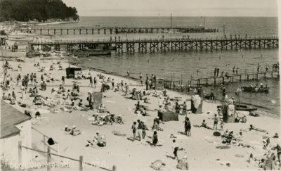 Plaża w Orłowie czasie budowy nowego, dłuższego molo
