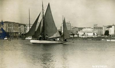 Jachty w Basenie Żeglarskim w Gdyni