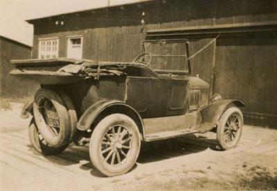 Samochód osobowy pracownika Konsorcjum Francusko-Polskiego