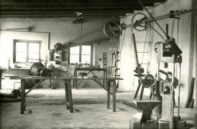 Wnętrze magazynu naprawczego MTK w Gdyni przy Szosie Gdańskiej 29 (ob. Aleja Zwycięstwa)