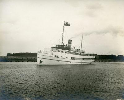 """Statek pasażerski s/s """"Gdańsk"""" w czasie pierwszej podróży"""