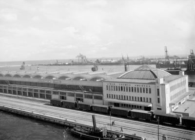 Dworzec Morski w Gdyni od strony nabrzeża Francuskiego