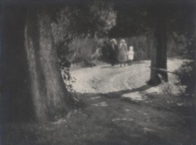 Spacerujące kobiety