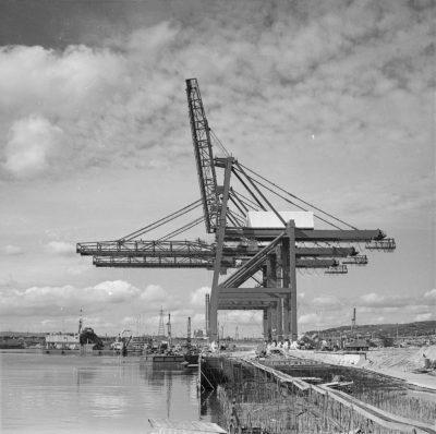 Budowa Bazy Kontenerowej w Gdyni – nabrzeże Helskie I, pomosty uchylne