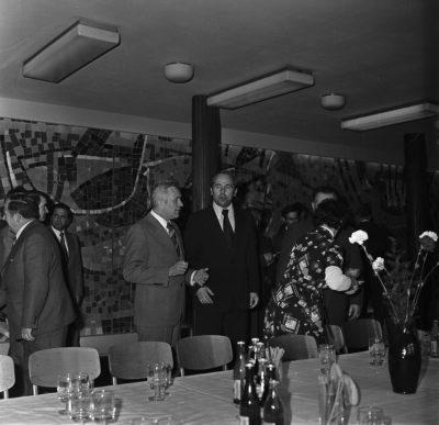 Wizyta Edwarda Gierka w Gdyni – rozmowy kularowr w restauracji na Molo Południowym.