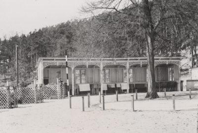 Fotografia altany ogrodowej na posesji przy ulicy Orłowskiej 8