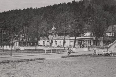 """Fotografia budynek zajazdu """"Adlershorst"""" przy ulicy Orłowskiej 8"""