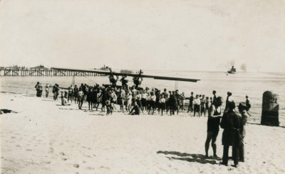 Hydroplan  Morskiego  Dywizjonu Lotniczego z Pucka na gdyńskiej plaży